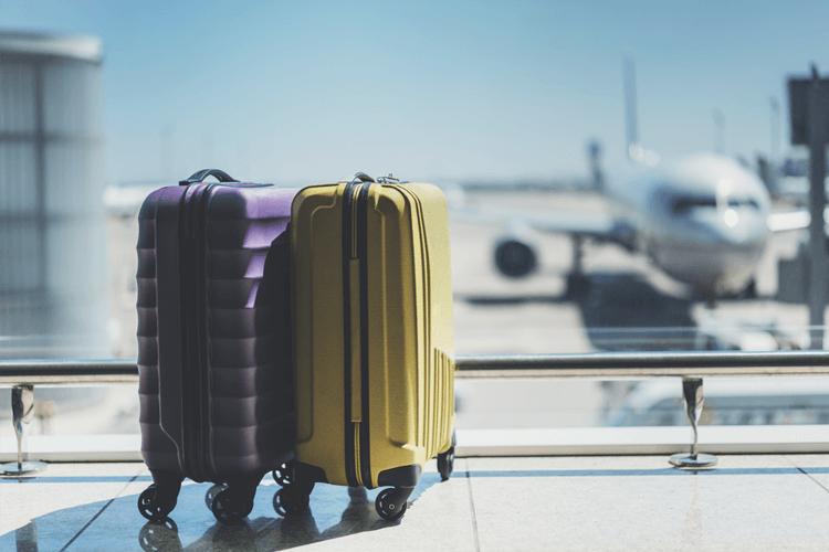 空港スーツケース
